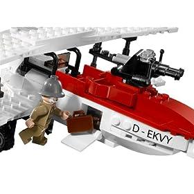 LEGOで作った複葉機のアップ。レゴインディージョーンズからのモデル
